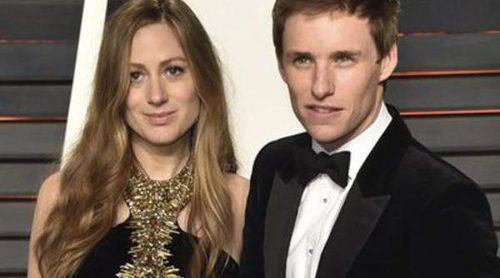 Eddie Redmayne y Hannah Bagshawe se convierten en padres de una niña llamada Iris