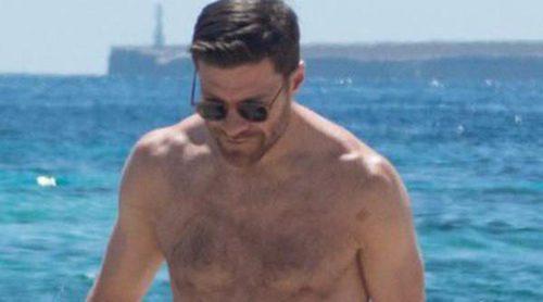 Xabi Alonso y Nagore Aranburu disfrutan de las playas de Ibiza con sus 3 hijos