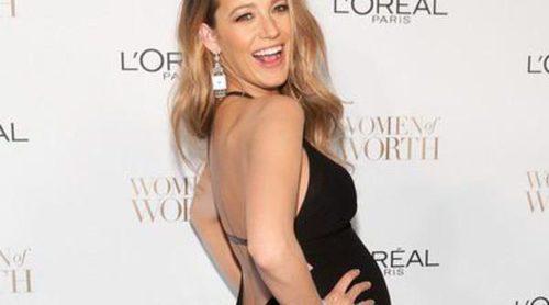 Blake Lively presume de embarazo en bikini junto a Ryan Reynolds, Taylor Swift y Tom Hiddleston