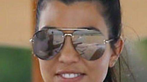 Kourtney Kardashian se va a la playa con sus hijos mientras Scott Disick queda con Kendall Jenner