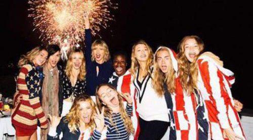 Taylor Swift, Blake Lively, Gigi Hadid y Cara Delevingne celebran el 4 de julio rodeadas de rostros conocidos