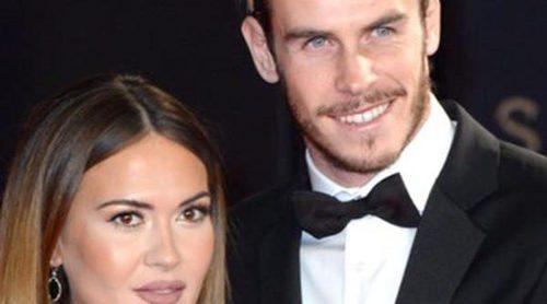 La novia de Gareth Bale, Emma Rhys-Jones, presume de anillo de compromiso por Ibiza