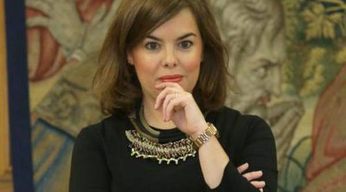 Soraya Sáenz de Santamaría, objeto de bromas y memes por 'copiarle' el look a Beatriz Rico