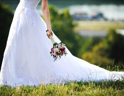 Conoce la historia de la mujer que vendió su vestido de novia en Ebay para pagarse el divorcio
