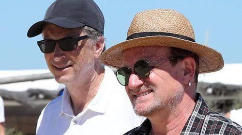 Las vacaciones en Saint Tropez de Bill Gates y Bono: la relación de amistad más rara del verano