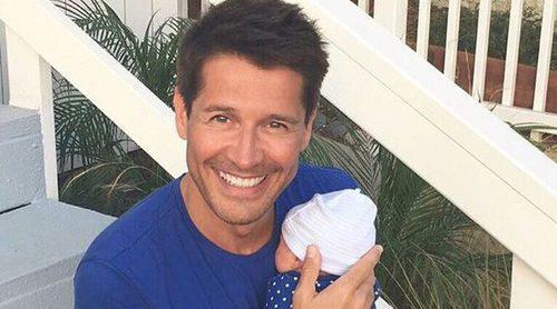 Jaime Cantizano presenta a su hijo con una tierna imagen: