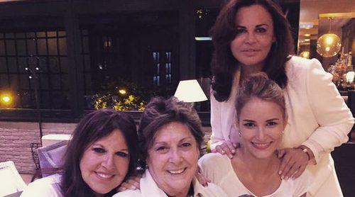 Alba Carrillo busca paz con sus compañeras de 'Amigas y conocidas': 'Personas con un corazón enorme'