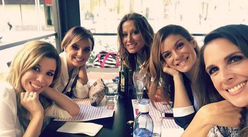 Chenoa, Natalia, Nuria Fergó, Verónica y Geno, de comida tras la rueda de prensa de 'OT. El reencuentro'