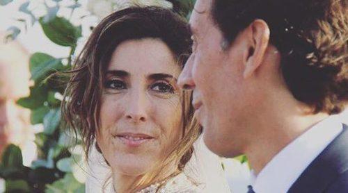 Carruaje, caballo, flores... La romántica boda de Paz Padilla y Juan Vidal al atardecer en la playa