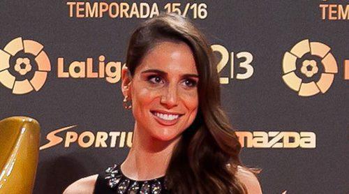 Lucía Villalón luce anillo de compromiso sobre la alfombra roja sin Chicharito