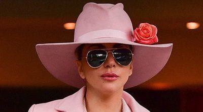 Lady Gaga se hace un tatuaje en honor a su tía fallecida Joanne