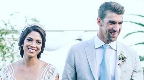 Michael Phelps y Nicole Johnson publican fotos de su boda secreta