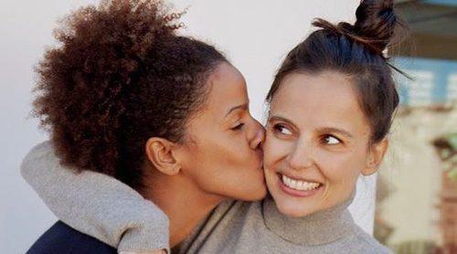La imagen de la felicidad: Elena Anaya luciendo embarazo junto a su novia Tina Afugu