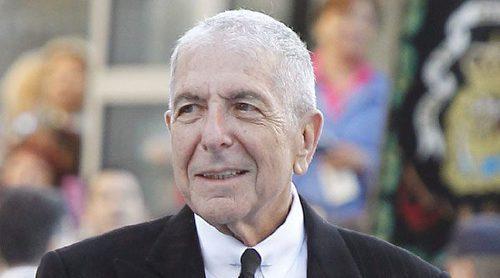 Leonard Cohen murió mientras dormía tras caerse en medio de la noche
