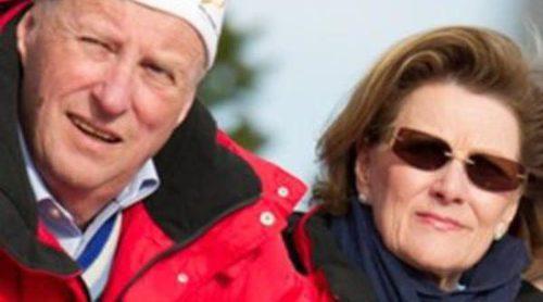 La Familia Real Noruega derrocha felicidad durante la competición de salto de esquí de Holmenkollen