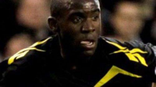 El futbolista del Bolton Fabrice Muamba sufre un infarto mientras disputaba la Premier League