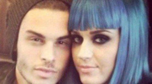 Katy Perry y Baptiste Giabiconi confirman su romance con una fotografía en Twitter