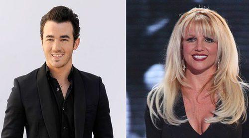 Adriana Lima, Kevin Jonas, Britney Spears... famosos que preservaron su virginidad y otros que lo intentaron