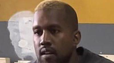 Kanye West reaparece públicamente tras su hospitalización luciendo pelo rubio
