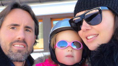 La hija de Tamara Ecclestone demuestra sus dotes esquiando con tan solo 2 años