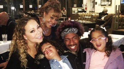Mariah Carey se refugia en su ex Nick Cannon y sus hijos para superar su polémica actuación