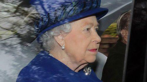 La Reina Isabel reaparece públicamente después de estar un mes convaleciente