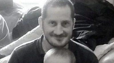 Un padre soltero con cáncer terminal busca una familia de acogida para su hijo en sus últimos días