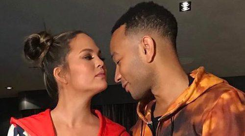 John Legend y Kourtney Kardashian disfrutan de la fiesta de pijamas por el cumpleaños del marido de Jessica Alba