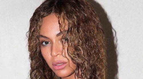 Beyoncé presume de embarazo en sus fotos más sexys y artísticas tras anunciar que espera gemelos