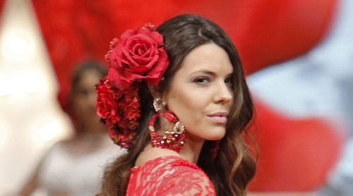 Laura Matamoros deslumbra en su debut como modelo sobre la pasarela del SIMOF 2017