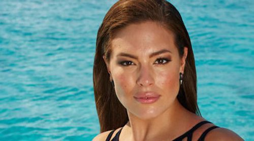 Vogue, acusada de emplear Photoshop para retocar el cuerpo de la modelo curvy Ashley Graham
