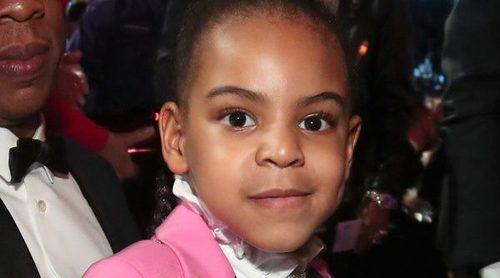 Blue Ivy roba el protagonismo a Beyoncé en la noche de los Premios Grammy 2017 tras su madre Beyoncé