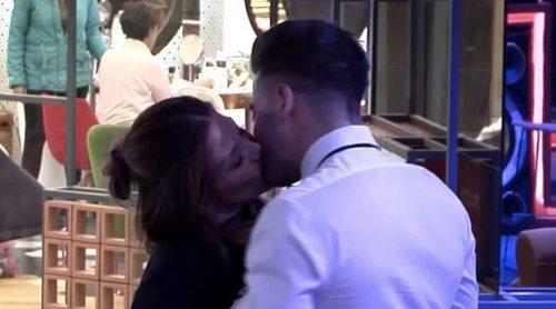 La fiesta de San Valentín de 'GHVIP5' consigue que Ivonne Reyes y Sergio Ayala se coman a besos
