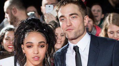 Robert Pattinson se pone cariñoso con FKA Twings en la Premiere de 'The Lost City of Z'