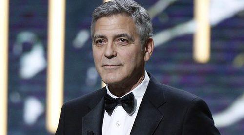 George Clooney aparece por primera vez en los premios César tras confirmar su futura paternidad