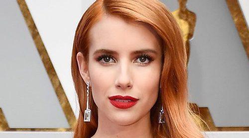 Emma Roberts recuerda a su tía Julia Roberts de una forma muy divertida durante los Premios Oscar 2017