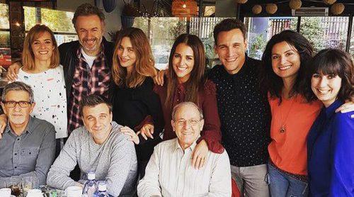 Divertida reunión de 'Gran Reserva': así de bien se lo pasaron Paula Echevarría, Tristán Ulloa o Ricard Sales