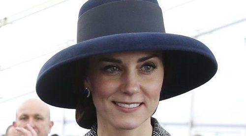 La Familia Real Británica se reúne al completo para inaugurar un memorial en recuerdo a los caídos