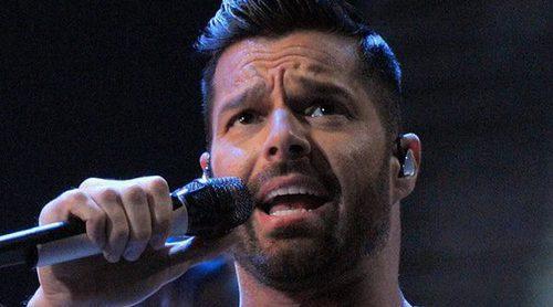 Una sospechosa foto de Ricky Martin alarma a todos sus fans y aparecen rumores sobre su salud