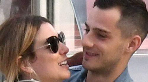 Besos, sonrisas y abrazos: Blanca Suárez y Joel Bosqued, más enamorados que nunca en Málaga