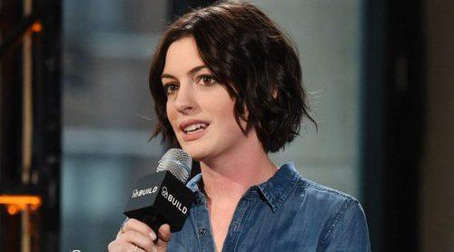 Anne Hathaway se arrepiente de haber publicado una foto de su hijo: 'Habría deseado no haberlo hecho'