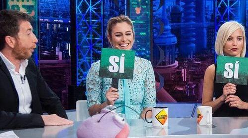 Las polémicas y machistas preguntas de Pablo Motos a 'Las chicas del cable' en 'El Hormiguero'