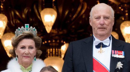 Saludos, reencuentros y una cena de gala: Harald y Sonia de Noruega celebran sus 80 años con la realeza europea