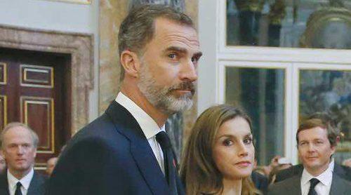 Los Reyes Felipe y Letizia ignoran el gesto de complicidad de la Infanta Cristina