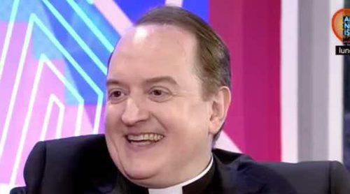 El Padre Apeles reaparece en televisión presentando su nueva vida: 'Nunca hablo de sexo, dinero y años'