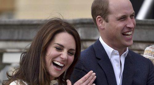 Los Duques de Cambridge y el Príncipe Harry organizan una fiesta en homenaje a los niños refugiados