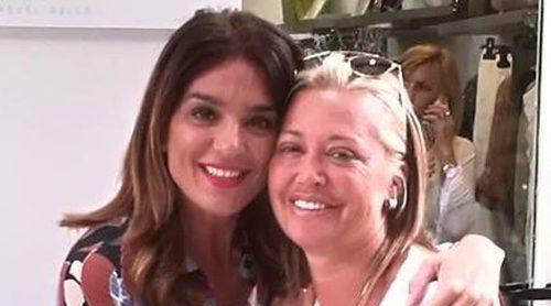 El emotivo reencuentro entre Raquel Bollo y Belén Esteban en Sevilla