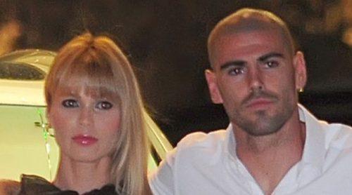 Yolanda Cardona anuncia su boda con Víctor Valdés ayudada por sus hijos Dylan, Kai y Vera