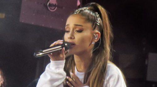 Ariana Grande y Justin Bieber no pueden contener las lágrimas en el concierto One Love Manchester