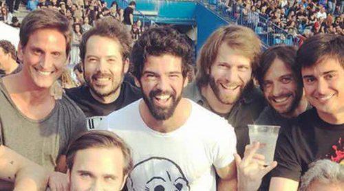 Guns N' Roses pone a bailar a Miguel Ángel Muñoz, Fonsi Nieto, Toño Sanchís y Arancha de Benito
